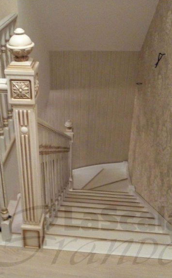 Заказать стильную деревянную лестницу в дом на второй этаж - lascalagrande.ru