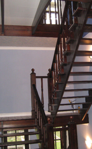 лестница в дом из березы, производство лестницы
