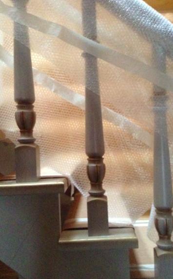 Дубовая лестница в деревянном доме