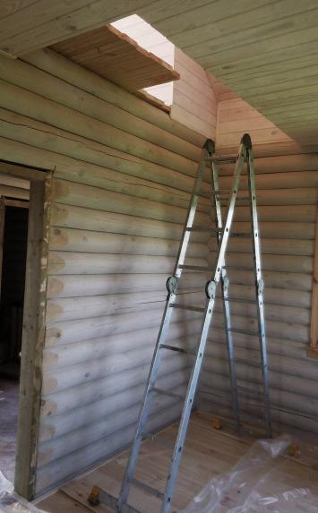 Лестничный проём до установки деревянной лестницы