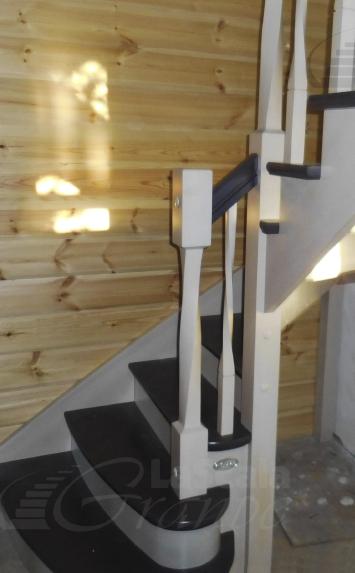 Деревянная лестница в дом на дачу - lascalagrande.ru
