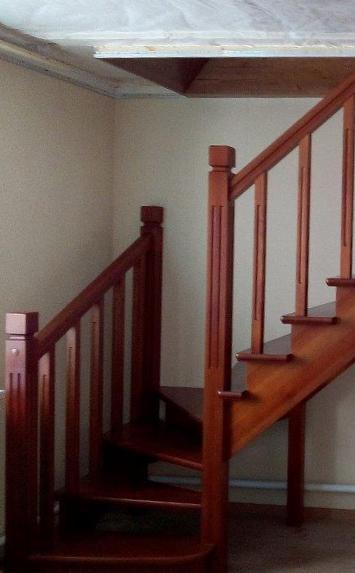 Заказать сосновую лестницу в дом - lascalagrande.ru