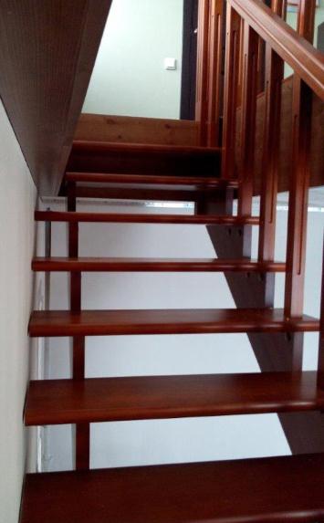 Лестница на второй этаж в дом - lascalagrande.ru