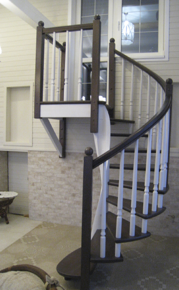 Лестница из дерева в дом винтовая СПб