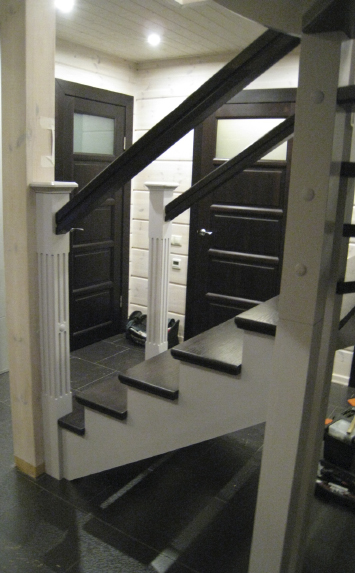 Скандинавская лестница из дерева на второй этаж дома - lascalagrande.ru